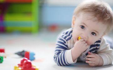 Как малышу помочь научиться ползать — 10 эффективных способов