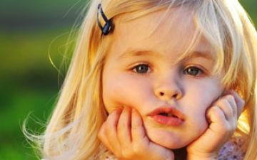 Что делать если ребенок стесняется знакомиться с другими детьми