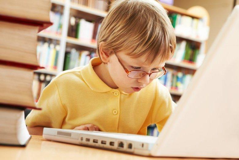 ребенок-за-компьютером