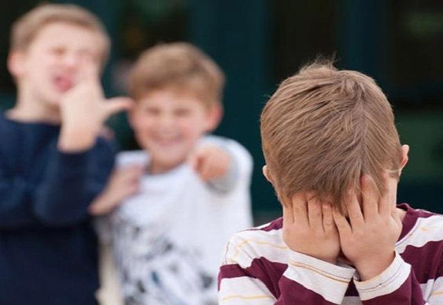 ребенка-дразнят-в-школе