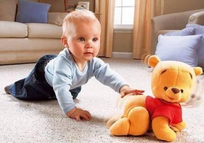 как-малышу-помочь-научиться-ползать