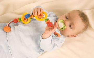 Развитие малыша: что должен уметь ребенок в 6 месяцев