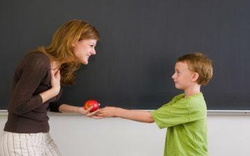 Как научить ребенка азам вежливости