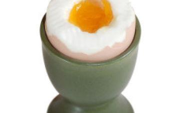 Когда можно начинать давать ребенку яйцо