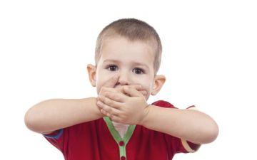 Во сколько месяцев дети начинают говорить