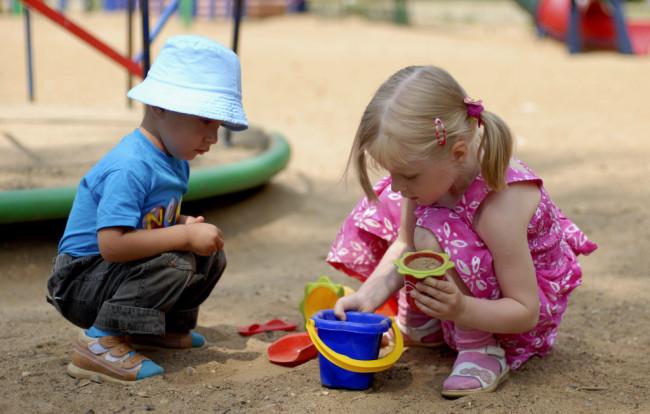 Дети общаются