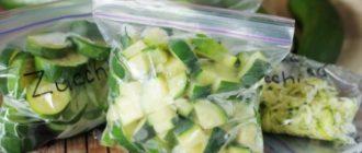Упаковываем овощи в пакеты с замком