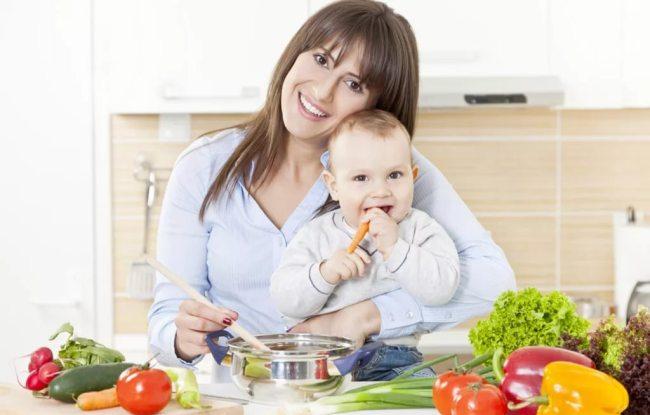 Еда кормящей мамы