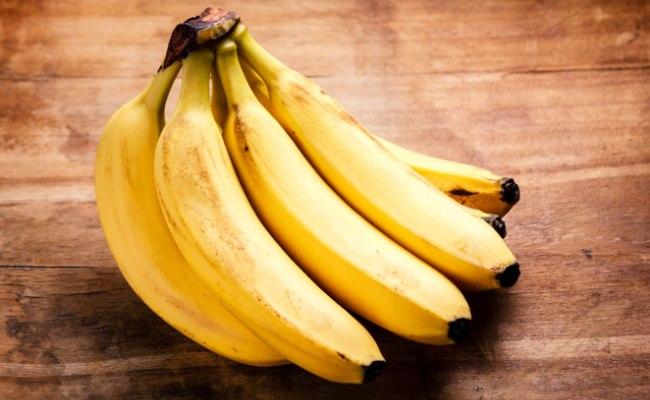 бананы на фоне