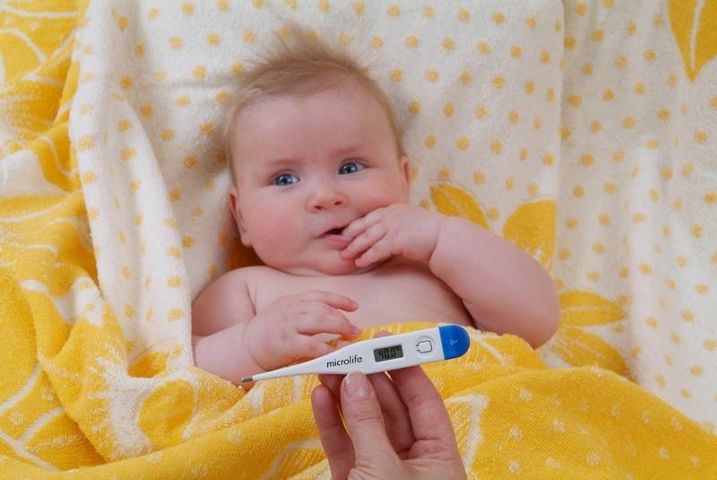 малыш с температурой