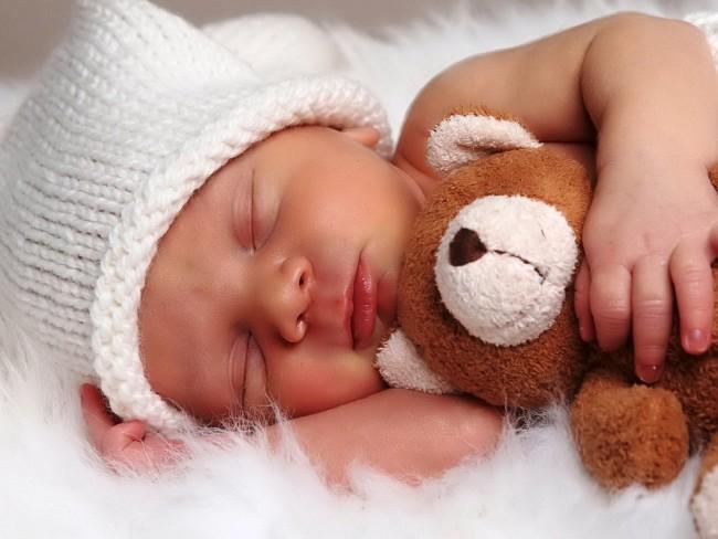 Спящему малышу 2 месяца