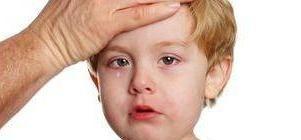 у малыша болит голова